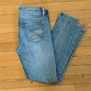 Seven7 distressed skinny jeans